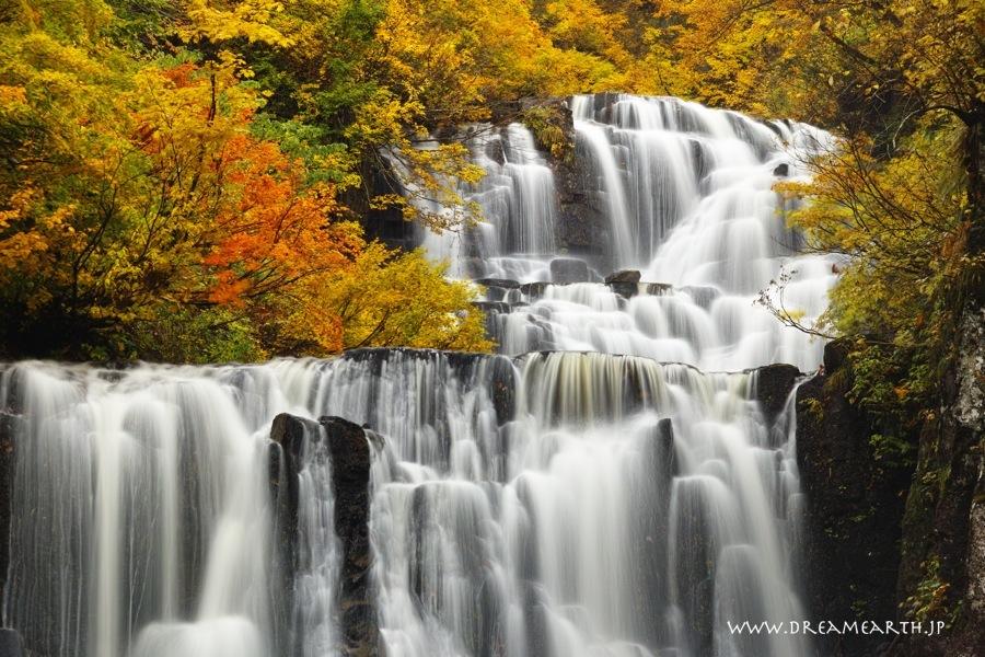 立又渓谷 二の滝の紅葉