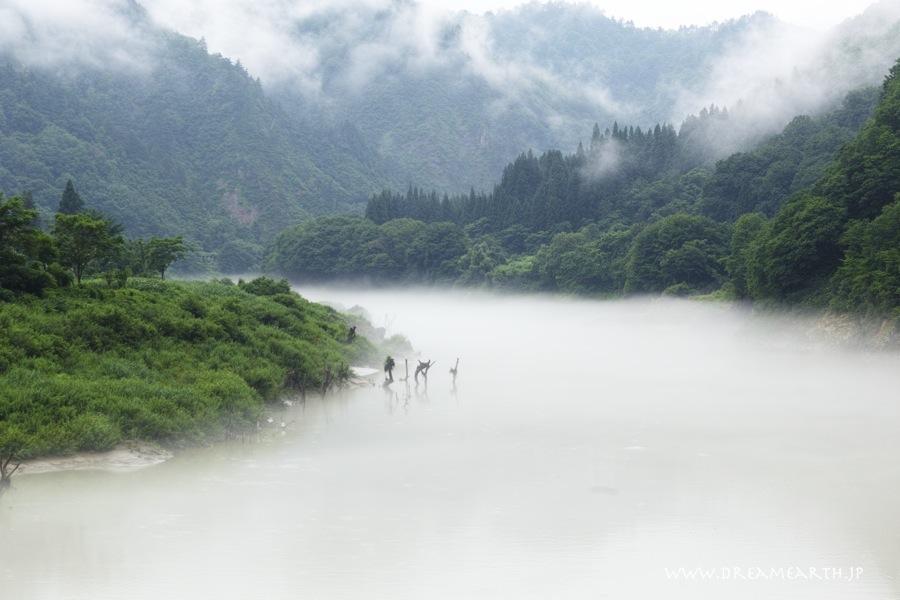 霧の只見川